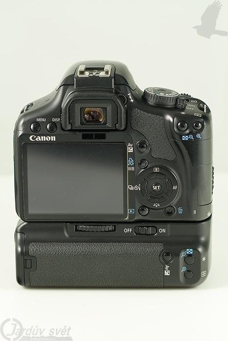 Canon EOS 450D zadní pohled
